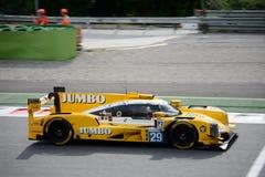 Prototipo de los deportes de Dallara conducido por Frits Van Eeerd Foto de archivo libre de regalías