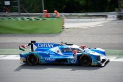 Prototipo de los deportes de Dallara en la acción en el circuito de Monza Imágenes de archivo libres de regalías