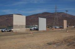 Prototypes du mur de Trump's étant accompli photo libre de droits