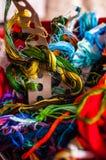 protuberância Multi-colorida do fio para o bordado fotografia de stock