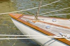 Proue d'un bateau de navigation classique Image libre de droits