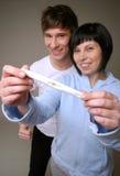 Prova di gravidanza positiva Fotografie Stock Libere da Diritti