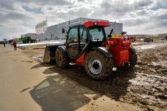 Prova su strada del trattore dell'aratro Tjumen' La Russia Immagine Stock Libera da Diritti