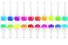 Prova-tubi delle forme differenti con dei i liquidi colorati multi isolati su fondo bianco Medicina, chimica Struttura orizzontal Fotografia Stock