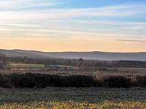Provancal krajobraz przy zmierzchu czasem w zimie, Provence, Południowy Francja, Europa obrazy stock