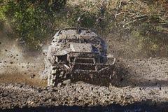 Prove del fango fuori dalla corsa di azione della strada Immagine Stock Libera da Diritti