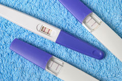 Prove di gravidanza positive Immagini Stock Libere da Diritti