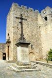 Provencal村庄在法国南部的圣劳伦特des Arbres, 免版税库存照片