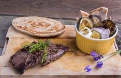 Provencal样式马肉与ratatouille的entrecote牛排和 库存图片