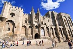 PROVENCE, FRANKREICH, 2012: Avignon-Palast, der alte päpstliche Wohnsitz Stockfotos