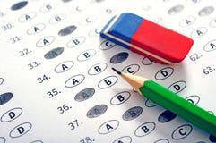 Provi il modulo di risposta con la matita Conce di istruzione della prova dell'esame Immagini Stock