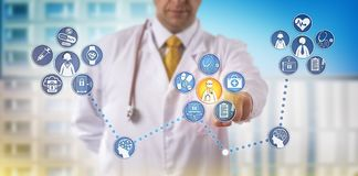 Providing Specialty Telemedicine Remotely医生 皇族释放例证