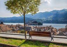 Province d'île d'Orta San Giulio et de San Giulio, Novare, Italie ce fait partie du circuit des villages les plus beaux en Italie photo libre de droits