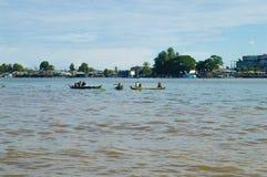Province de Chhnang de Kampong la maison de rivière de makong près de la montagne de kongrie au Royaume du Cambodge près de la fr Photo libre de droits
