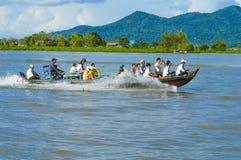 Province de Chhnang de Kampong la maison de rivière de makong près de la montagne de kongrie au Royaume du Cambodge près de la fr Image libre de droits