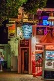 Provincetown马萨诸塞2017年8月在鳕鱼角Provincetown末端有居民和游人的多同性恋人口 免版税库存照片