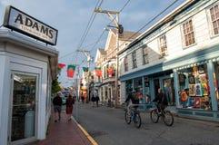 Geschäftsstraße in Provincetown, MA Stockfotos