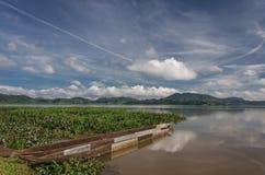 Provincia de Daklak en Vietnam y el LAK hermoso del lago foto de archivo
