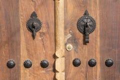 Provincia de madera Irán de Gilan del pueblo de Masuleh de la puerta de la casa rústica Fotos de archivo