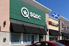 Provincialmente poseyó la tienda del cáñamo en Gatineau, Quebec fotos de archivo
