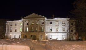 Provinz-Haus nachts lizenzfreie stockbilder