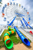 PROVINZ THAILANDS CHA-AM PETCHBURI AM 29. JUNI 2012: Ferris Wheel Lizenzfreie Stockfotos