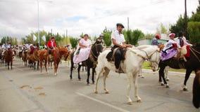 Provinzielles Reiterfestival in Gobernador Costa Patagonia, Argentinien stock footage