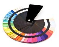 Provkarta för färghandbokspektret tar prov regnbågen Arkivfoto