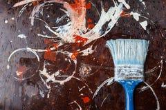 Provning av målarfärger på yttersidan för reparationsarbetet arkivbild