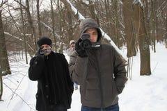 Provocadores del movimiento del Favorable-Kremlin cerca del campo de Nashi de los defensores del bosque de Khimki Fotografía de archivo libre de regalías