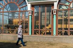 Provorny的机车的博物馆在火车站附近的在市新西伯利亚 库存照片