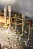 Provrör för glass behållare för kemilaboratorium Arkivbilder