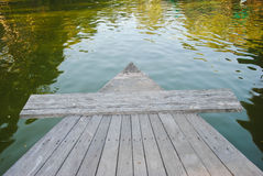 Prow Drewniana łódź na rzece obraz stock