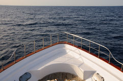 Prow of yacht in the sea Royalty Free Stock Photography