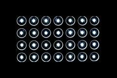 28 prowadzących świateł na czerni Obrazy Stock