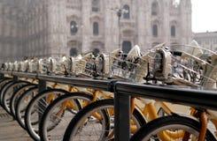 Prowadzący rower Fotografia Royalty Free
