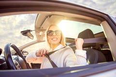 prowadzenia samochodu kobieta obrazy stock
