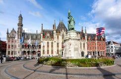 Prowincjonału Dworski budynek na Targowego kwadrata Grote markt w Brugge, Belgia fotografia royalty free