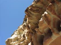 Proyección roja de la roca foto de archivo