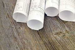 Proyecte los dibujos en el fondo de tableros de madera Foto de archivo