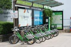 Proyecto de alquiler de la bicicleta en Bangkok fotografía de archivo