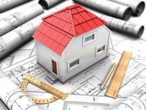 Proyecto de la casa con el modelo, tejado rojo Imágenes de archivo libres de regalías