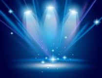 Proyectores mágicos con los rayos azules Fotografía de archivo libre de regalías
