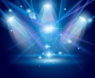 Proyectores mágicos con los rayos azules y el efecto que brilla intensamente