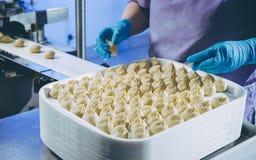 Prozess der Herstellung von buuza lizenzfreies stockfoto