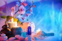 Préparation pour le massage de bain dans le jardin Photographie stock