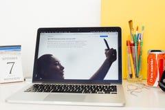 Présentation de site Web d'ordinateurs Apple Photographie stock