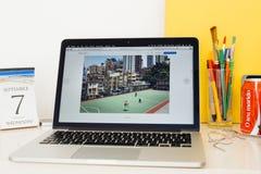 Présentation de site Web d'ordinateurs Apple Photographie stock libre de droits