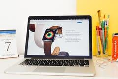 Präsentationstätigkeitsringe Apple-Computer Website, Lizenzfreies Stockbild