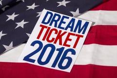 Präsidentschaftswahl-Abstimmung und amerikanische Flagge Lizenzfreie Stockfotos